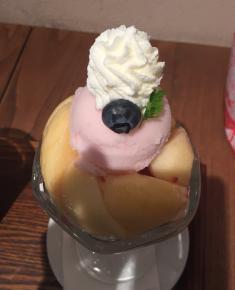 フルーツ王国岡山の美観地区で桃パフェを楽しもう くらしき桃子・倉敷本店(倉敷市)