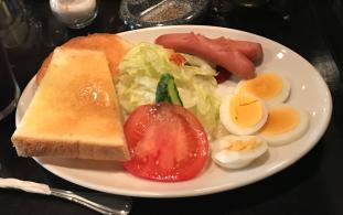 十三駅前で最も美しいと言われる(?)喫茶店でモーニングを楽しもう カッスルクーム(大阪市・十三駅)