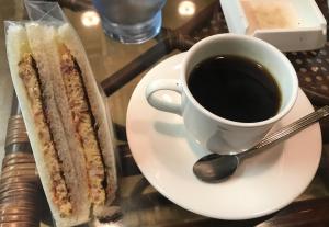 常連さんの溜まり場喫茶店にそっとまぎれこんでSF(すこしふしぎ)モーニングを FOLK LORE(大津市・上栄駅)