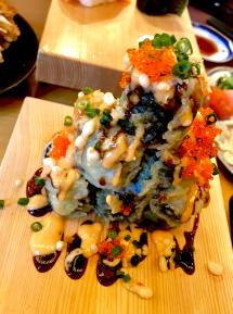 軽く寿司をつまんで軽く飲む!寿司の原点みたいな店の「50円トロ」とは? 大衆すし酒場 カドハチ 神田店(千代田区・神田駅)