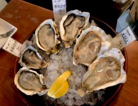 銀座のオイスターバーで、種類が豊富すぎる牡蠣を楽しむよ!そして牡蠣ハイが独創的すぎる‥! トリニティ オイスターハウス 銀座店(中央区・銀座駅・新橋駅)